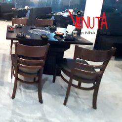 bàn ăn quán ăn